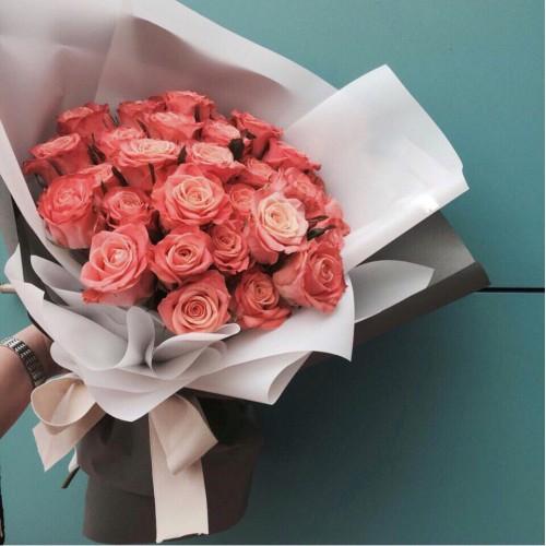 Купить на заказ Букет из 31 розовой розы с доставкой в Шардаре