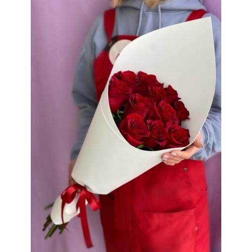 Купить на заказ Букет из 11 красных роз с доставкой в Шардаре